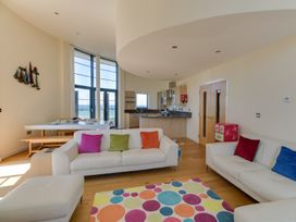 Westbay Penthouse - Dorset - 1009810 - thumbnail photo 9