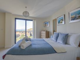 Westbay Penthouse - Dorset - 1009810 - thumbnail photo 24