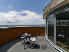 Westbay Penthouse - Dorset - 1009810 - thumbnail photo 31