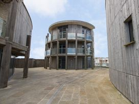 Westbay Penthouse - Dorset - 1009810 - thumbnail photo 1
