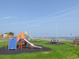 Sea Breeze - North Wales - 1009841 - thumbnail photo 24
