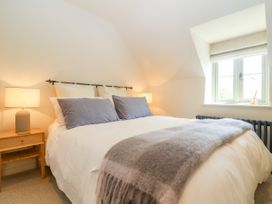 Easter Cottage - Cotswolds - 1009854 - thumbnail photo 15