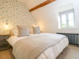 Easter Cottage - Cotswolds - 1009854 - thumbnail photo 24