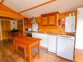 Log Cabin - Mid Wales - 1010290 - thumbnail photo 14
