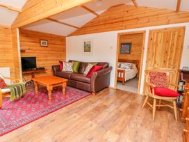Log Cabin - Mid Wales - 1010290 - thumbnail photo 6