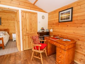 Log Cabin - Mid Wales - 1010290 - thumbnail photo 8