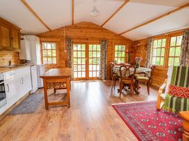 Log Cabin - Mid Wales - 1010290 - thumbnail photo 9