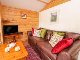 Log Cabin - Mid Wales - 1010290 - thumbnail photo 3