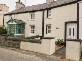 Garnedd - Anglesey - 1010301 - thumbnail photo 2