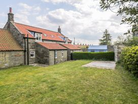 Cherry Cottage - Whitby & North Yorkshire - 1010750 - thumbnail photo 11