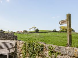 Cherry Cottage - Whitby & North Yorkshire - 1010750 - thumbnail photo 15