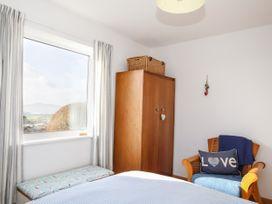 Yr Orsedd - Anglesey - 1010975 - thumbnail photo 16