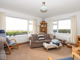 Yr Orsedd - Anglesey - 1010975 - thumbnail photo 6