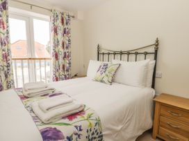 Goldfinch Cottage - Whitby & North Yorkshire - 1011371 - thumbnail photo 17