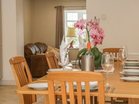 Goldfinch Cottage - Whitby & North Yorkshire - 1011371 - thumbnail photo 10