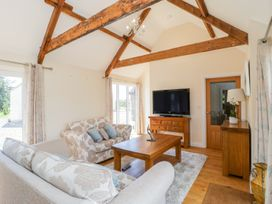 Golden Valley Barn - Cotswolds - 1011610 - thumbnail photo 3