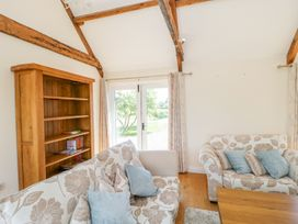 Golden Valley Barn - Cotswolds - 1011610 - thumbnail photo 4