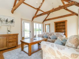 Golden Valley Barn - Cotswolds - 1011610 - thumbnail photo 6