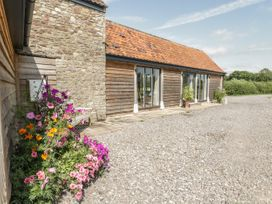 Golden Valley Barn - Cotswolds - 1011610 - thumbnail photo 30
