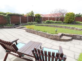 Little Orme Bungalow - North Wales - 1011859 - thumbnail photo 25