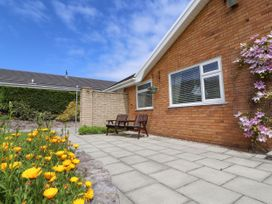 Little Orme Bungalow - North Wales - 1011859 - thumbnail photo 2
