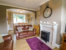 2 Ings Avenue - Yorkshire Dales - 1012462 - thumbnail photo 6