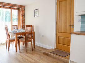 Thistledown Cottage - Kent & Sussex - 1012555 - thumbnail photo 13