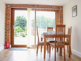 Thistledown Cottage - Kent & Sussex - 1012555 - thumbnail photo 15