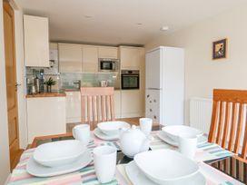 Thistledown Cottage - Kent & Sussex - 1012555 - thumbnail photo 18