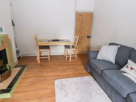 Well House Farm Flat 2 - North Wales - 1012694 - thumbnail photo 8