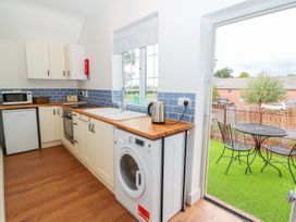 Well House Farm Flat 2 - North Wales - 1012694 - thumbnail photo 10