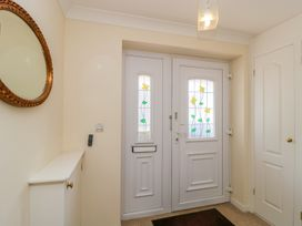 27 Wick Lane - Dorset - 1012793 - thumbnail photo 3