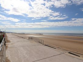 Beach Retreat - North Wales - 1012938 - thumbnail photo 20
