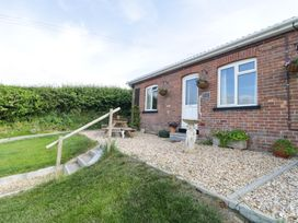 2 Hill View Bungalow - Dorset - 1012951 - thumbnail photo 1