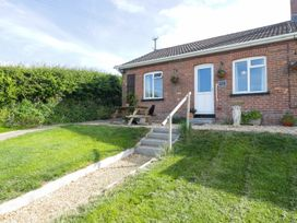 2 Hill View Bungalow - Dorset - 1012951 - thumbnail photo 22