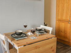 Apartment 17 - Whitby & North Yorkshire - 1013022 - thumbnail photo 8
