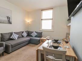 Apartment 17 - Whitby & North Yorkshire - 1013022 - thumbnail photo 5