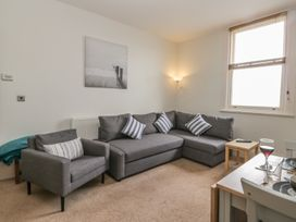 Apartment 17 - Whitby & North Yorkshire - 1013022 - thumbnail photo 6
