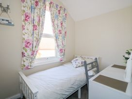 Sea Breeze Apartment No.7 - Norfolk - 1013320 - thumbnail photo 14