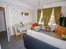 Sea Breeze Apartment No.7 - Norfolk - 1013320 - thumbnail photo 5