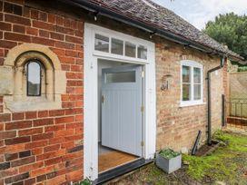 Chapel Cottage - Cotswolds - 1013386 - thumbnail photo 2