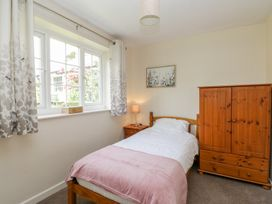 Lupin Cottage - Whitby & North Yorkshire - 1013432 - thumbnail photo 12