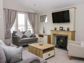 Cayton Pines - Whitby & North Yorkshire - 1013485 - thumbnail photo 2