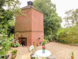 The Hyde Dovecote - Cotswolds - 1013791 - thumbnail photo 16