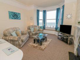 Llys Madoc, First Floor Flat - North Wales - 1014017 - thumbnail photo 3