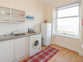 Llys Madoc, First Floor Flat - North Wales - 1014017 - thumbnail photo 8