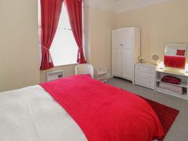 Llys Madoc, First Floor Flat - North Wales - 1014017 - thumbnail photo 14