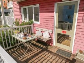 The Pink House - South Wales - 1014313 - thumbnail photo 20