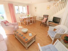 The Pink House - South Wales - 1014313 - thumbnail photo 4