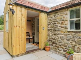 Baillie Close Cottage - North Yorkshire (incl. Whitby) - 1014417 - thumbnail photo 2